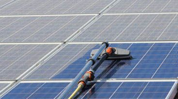 solar-panel-cleaning2